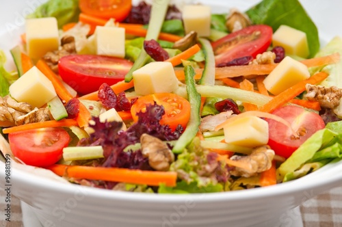 Spoed Fotobehang Eten fresh colorful healthy salad