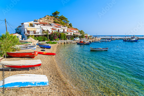 Crédence de cuisine en verre imprimé Chypre A view of Kokkari fishing village with beautiful beach, Samos island, Greece