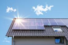 Photovoltaik Paneele Auf Dem D...