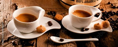 Foto op Plexiglas Cafe Tasse Kaffe (espresso) auf einem holz hintergrund