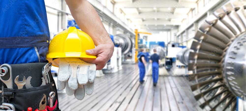 Fototapeta industrial workers in mechanical engineering // Arbeiter mit Werkzeugen im Maschinenbau