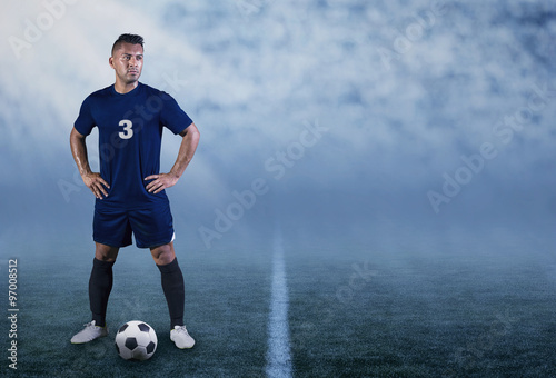 Photo  Professional Hispanic Soccer Player on the field ready to play