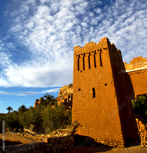 Foto op Canvas africa in histoycal maroc old construction and the blue cloud