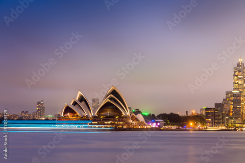 fototapeta na lodówkę SYDNEY - OCTOBER 12, 2015: The Iconic Sydney Opera House is a mu