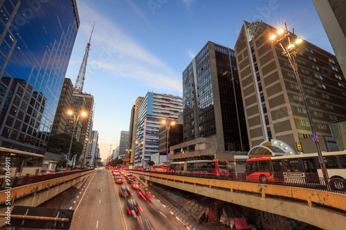 Photo  Paulista Avenue at twilight in Sao Paulo