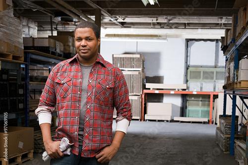 Fotografia, Obraz Man in warehouse