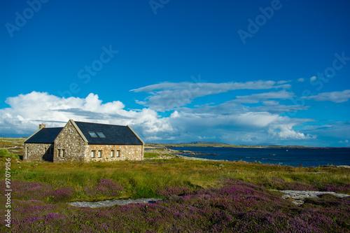Fotografie, Obraz  Einsames Haus bei Connemara v Irland