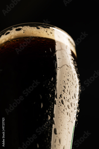Carta da parati Glass of porter beer