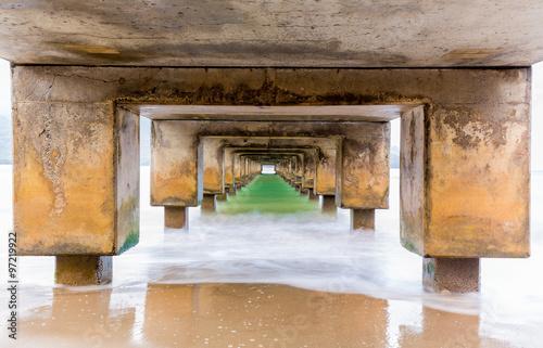 Fotografia, Obraz  Underside of Hanalei Pier long exposure