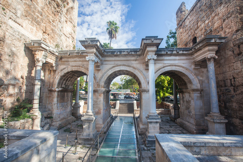 fototapeta na szkło Hadrian's Gate in old city of Antalya