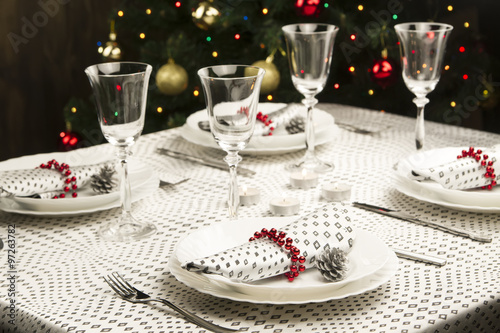 christmas dinner table traditional christmas decorations served table in a restaurant beautifully set