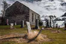 Old Abandoned Irish Cemetery A...