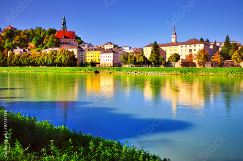 Foto op Canvas Krakau Embankment Salzach in Salzburg. Beautiful sunny landscape