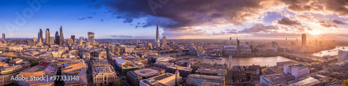 Canvas Print Panoramic skyline of the east and south part of London with beautiful clouds at sunset