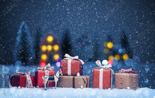 Foto op Aluminium Nachtblauw Christmas night landscape with gifts