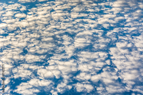 Foto op Plexiglas Arctica blue sky with fluffy clouds in the morning, cloudscape