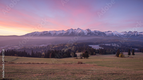 Papiers peints Corail Morning panorama of Tatra Mountains in autumn, Poland
