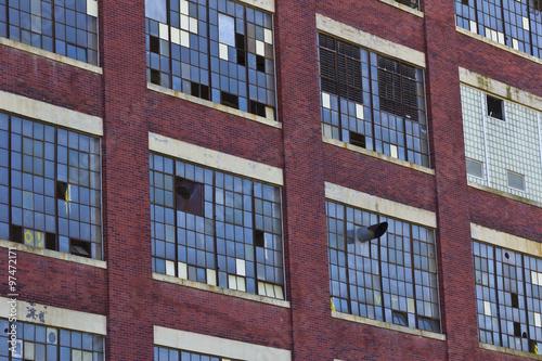 Papiers peints Les vieux bâtiments abandonnés Urban Factory Blight - Abandoned Factory - Worn, Broken and Forgotten I