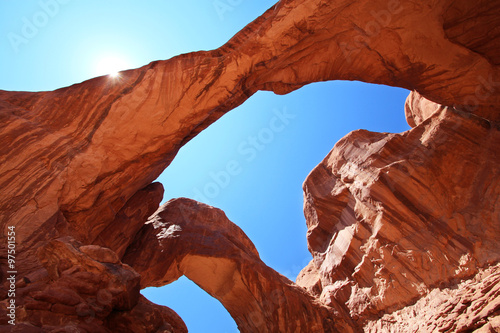 Photo Stands Magenta Double Arch - Arches National Park (Utah)