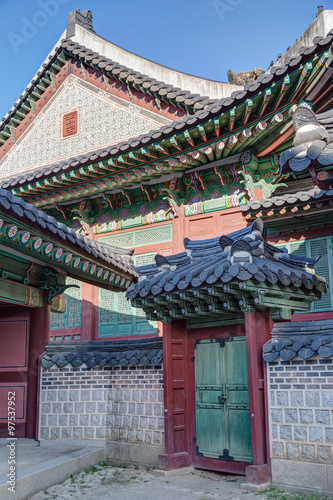 Gate and details of architecture in Changdeokgung Palace, Seoul