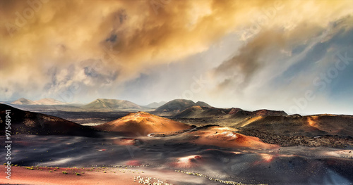 Foto op Plexiglas Canarische Eilanden beautiful mountain landscape with volcanoes