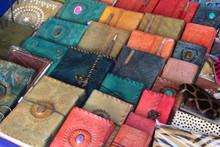 Carnets En Cuir Sur Le Marché De Pushkar / Inde