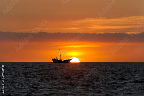 Keuken foto achterwand Schip Ship Silhouette