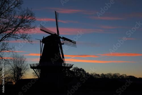 Fototapeta Dutch windmill at sunrise obraz na płótnie