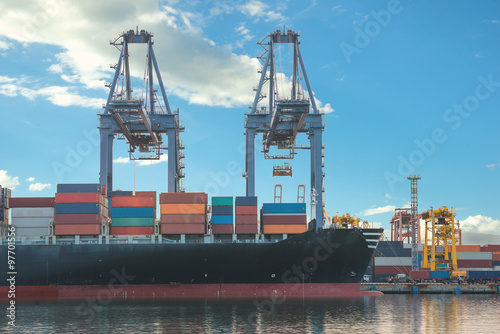 Tuinposter Industrial geb. Singapore cargo terminal,one of the busiest ports in the world,