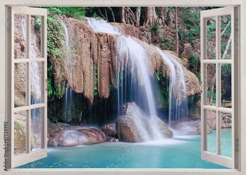 Otwarte okno widok Erawan Falls, Tajlandia