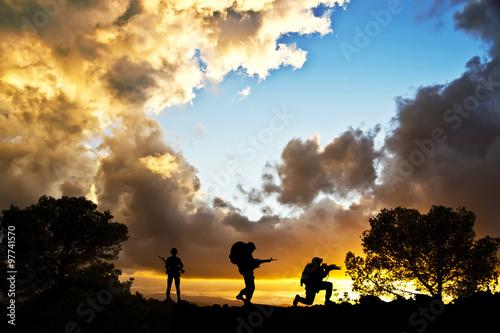 Fotografía  Soldados en el Campo de batalla,