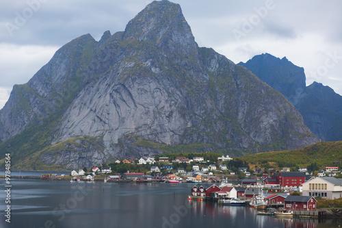 Photo  Beautiful super wide-angle summer aerial view of Reine, Norway, Lofoten Islands,