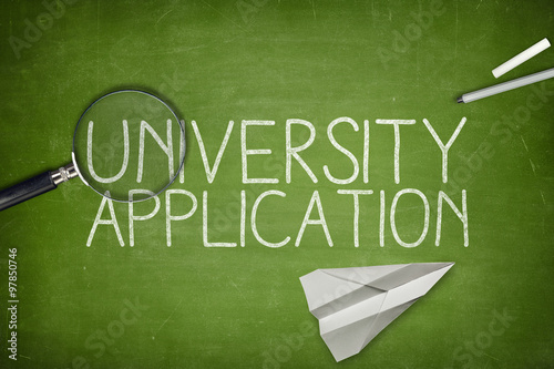 Fotografía  University application concept on blackboard