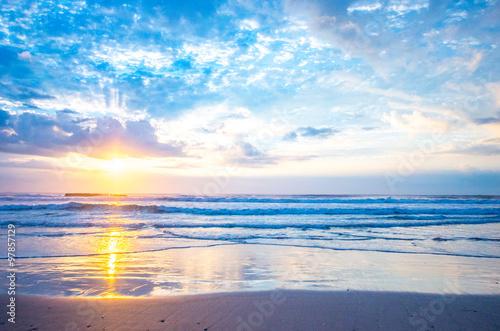 Obraz Sea of the morning glow(朝焼けの砂浜) - fototapety do salonu