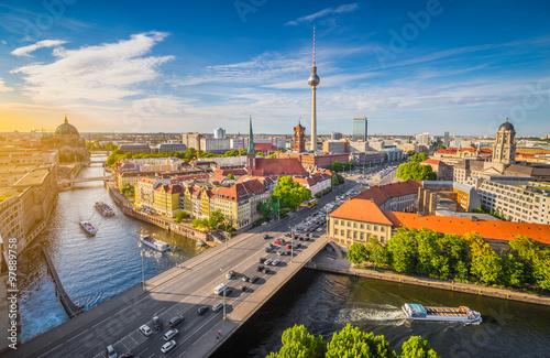 Fotobehang Berlijn Berlin skyline panorama with Spree river at sunset, Germany