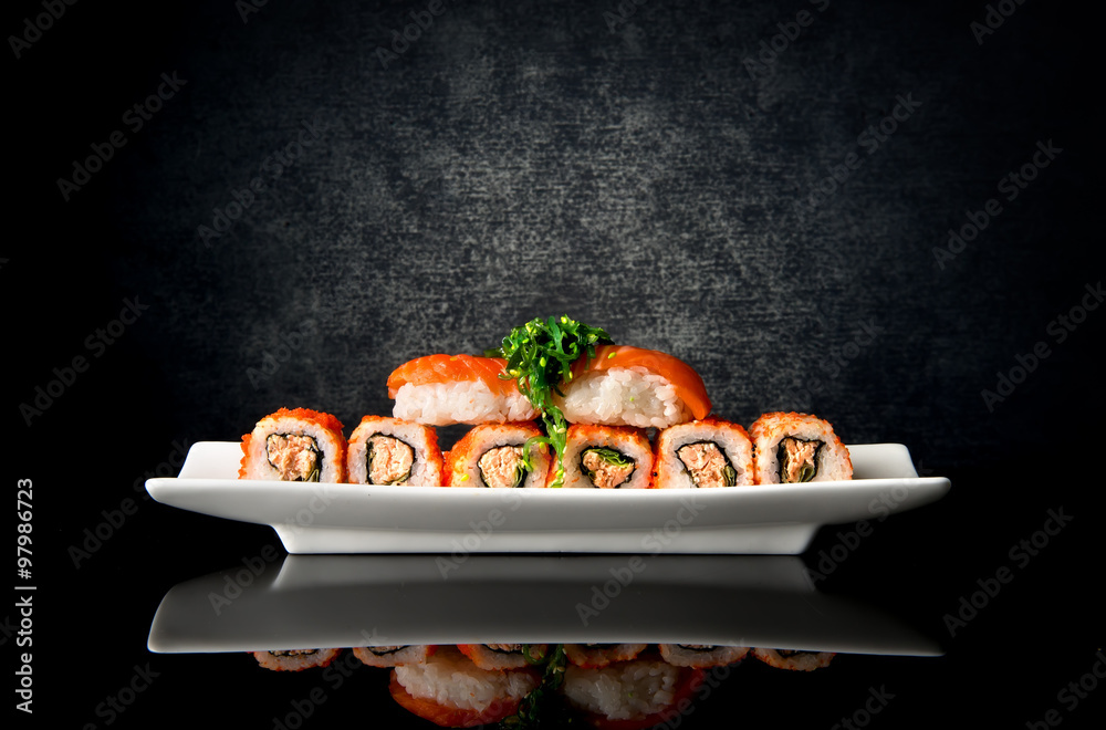 Fototapety, obrazy: Sushi and rolls in plate