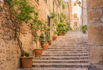 Fototapeta Altes Dorf Gasse Treppe Mediterran