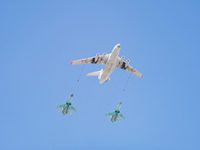 Ilyushin Il-78 (Midas) Four-engined Aerial Refueling Tanker Demonstrates Refueling Of 2 Sukhoi Su-34 (Fullback) Twin-seat Fighter-bombers