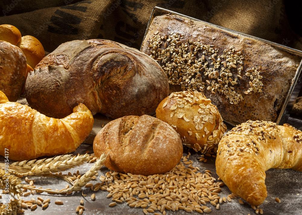 Brot Auswahl mit Korn und Ähren