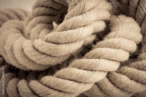 Close up of strong marine rope: comprar esta foto de stock y
