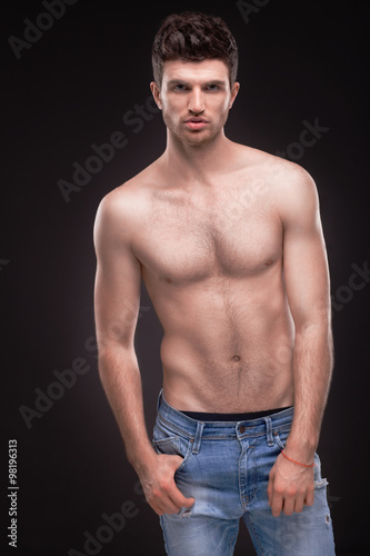 Poster Akt Sporty guy topless in jeans