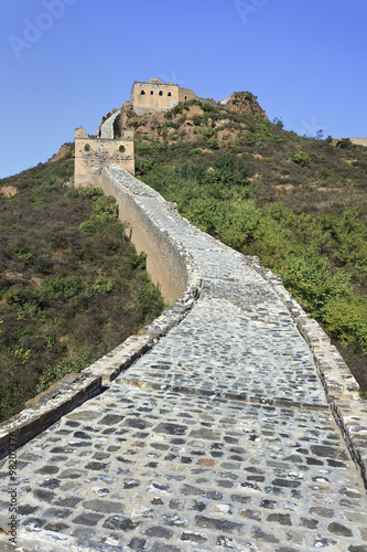 Papiers peints Muraille de Chine Cobblestone path up to Great Wall watchtower, Jinshanling, Beijing, China
