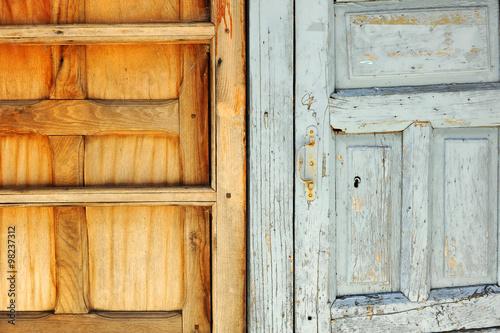 Viejas puertas y ventanas de madera - Buy this stock photo and ...