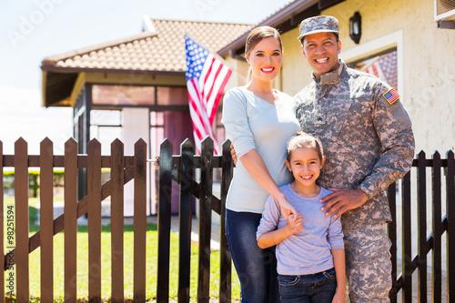 Fotografía  Soldado estadounidense se reunió con la familia
