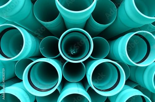 Fotografía  Tubos de PVC de color azul