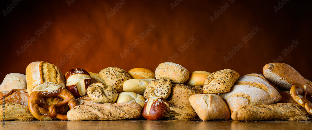 bread and bun pile