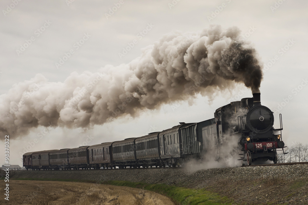 Fototapeta vintage black steam train - obraz na płótnie