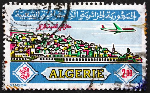 Poster Algerije Postage stamp Algeria 1971 Plane over Casbah, Algiers