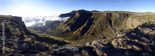 Fotografía  Sunrise over Sani Pass, Lesotho