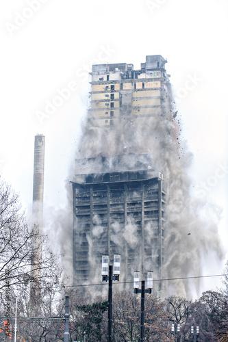 Gebäudedemolierung durch Implosion - Bild 4 Fototapete